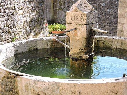 Fontaine à Barre-des-Cévennes